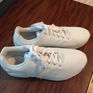 Men's white Adidas Torsion 8 Sneakers